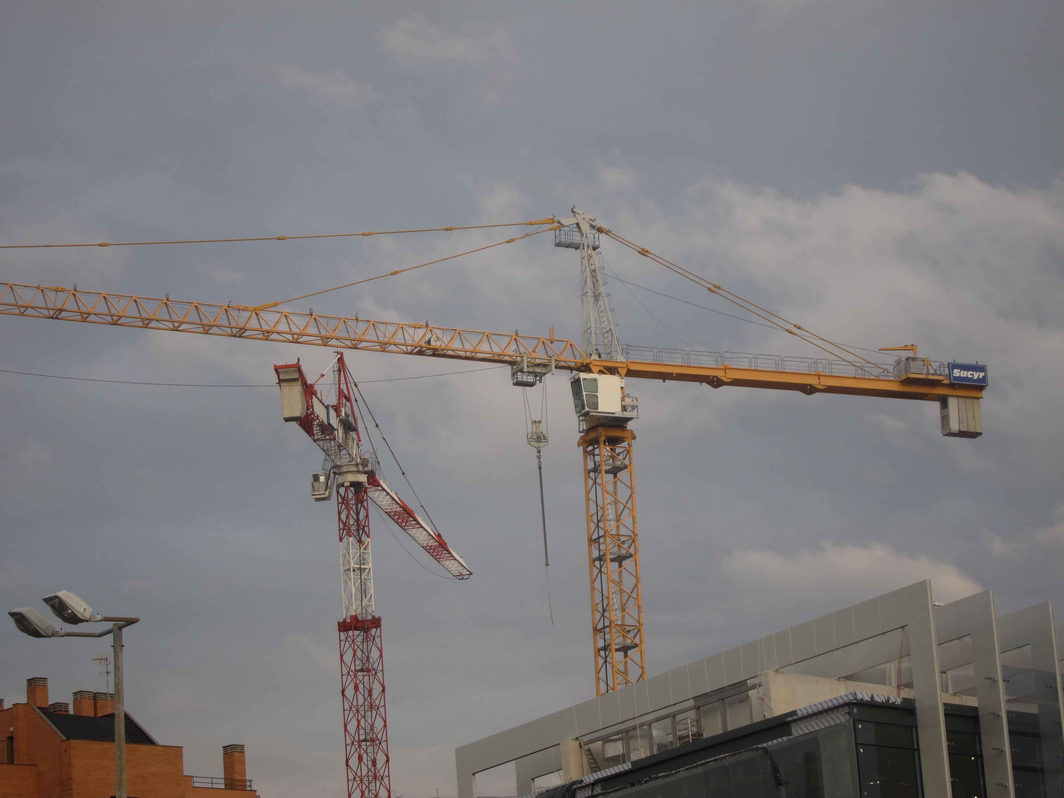 La licitación de obra pública cerrará 2011 en 16.000 millones, el menor importe de los últimos 15 años