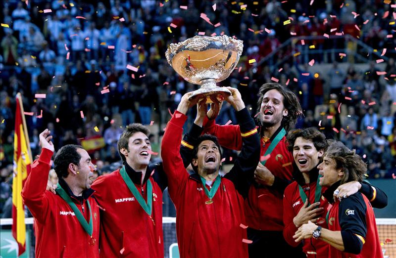 Albert Costa deja la capitanía de España en la Copa Davis