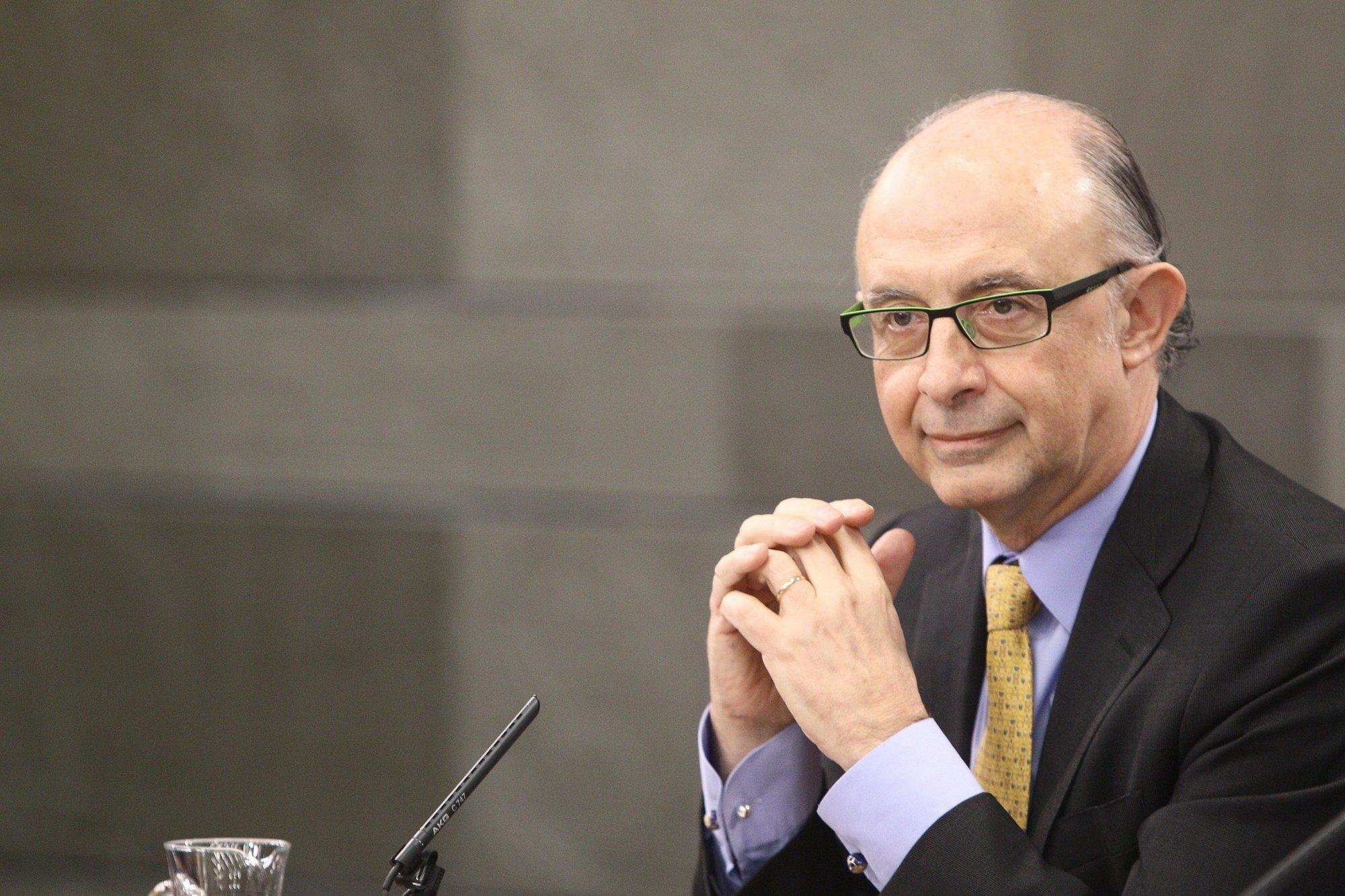 (Ampl.) La Ley de Estabilidad obliga a las administraciones públicas a tener déficit cero a partir de 2020