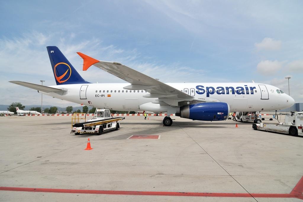 Fomento confirma el cese de operaciones de Spanair