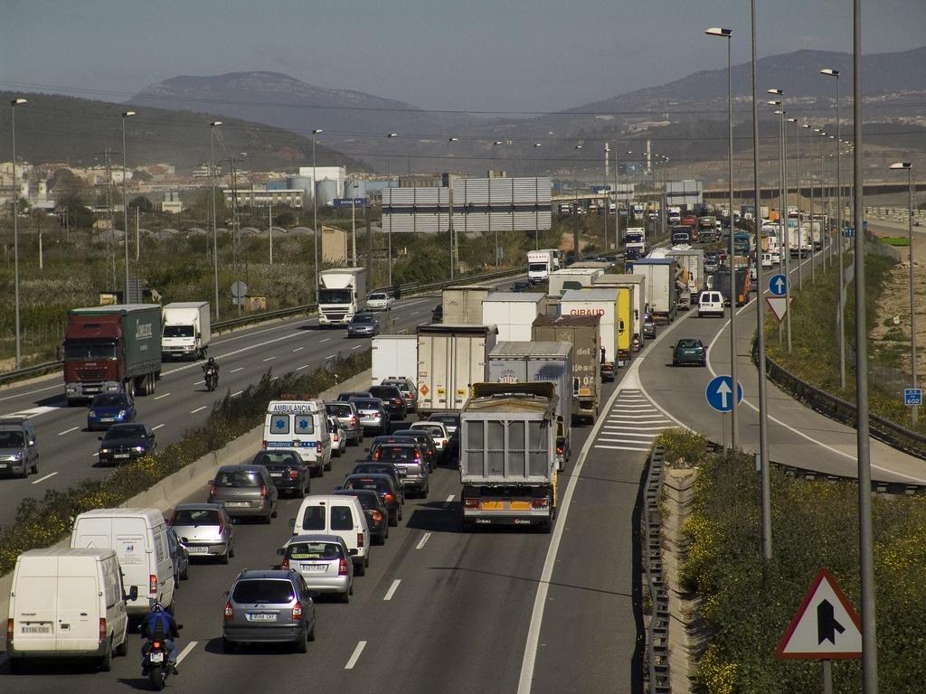 Barcelona comienza las obras de pavimentación del Nus de la Trinitat este sábado