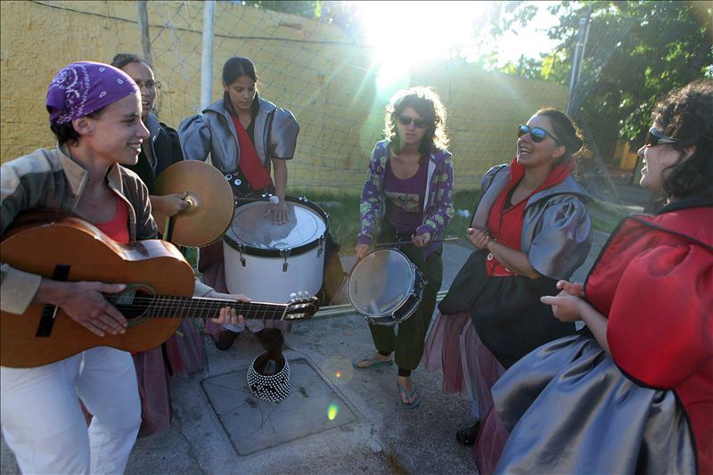 El Carnaval uruguayo se abre a la primera murga compuesta sólo por mujeres
