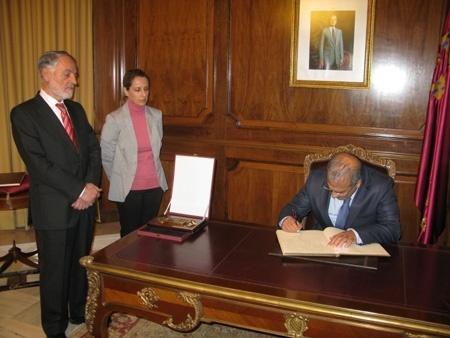 Embajador de Afganistán en España anuncia una escuela española en Kabul que se convertirá en universidad