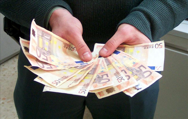 Fitch rebaja la solvencia de España e Italia