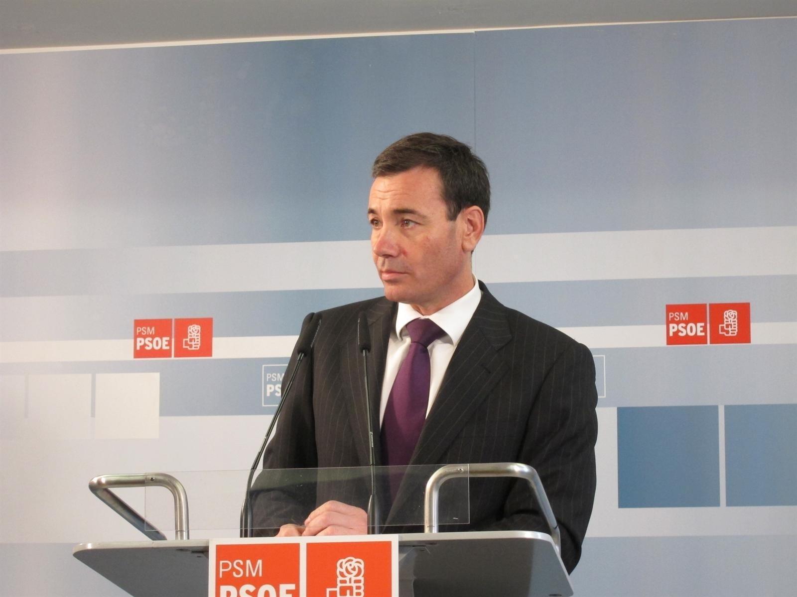 Gómez dice que algunas medidas del PP sumirán al país y a la Comunidad «en más crisis y recesión»