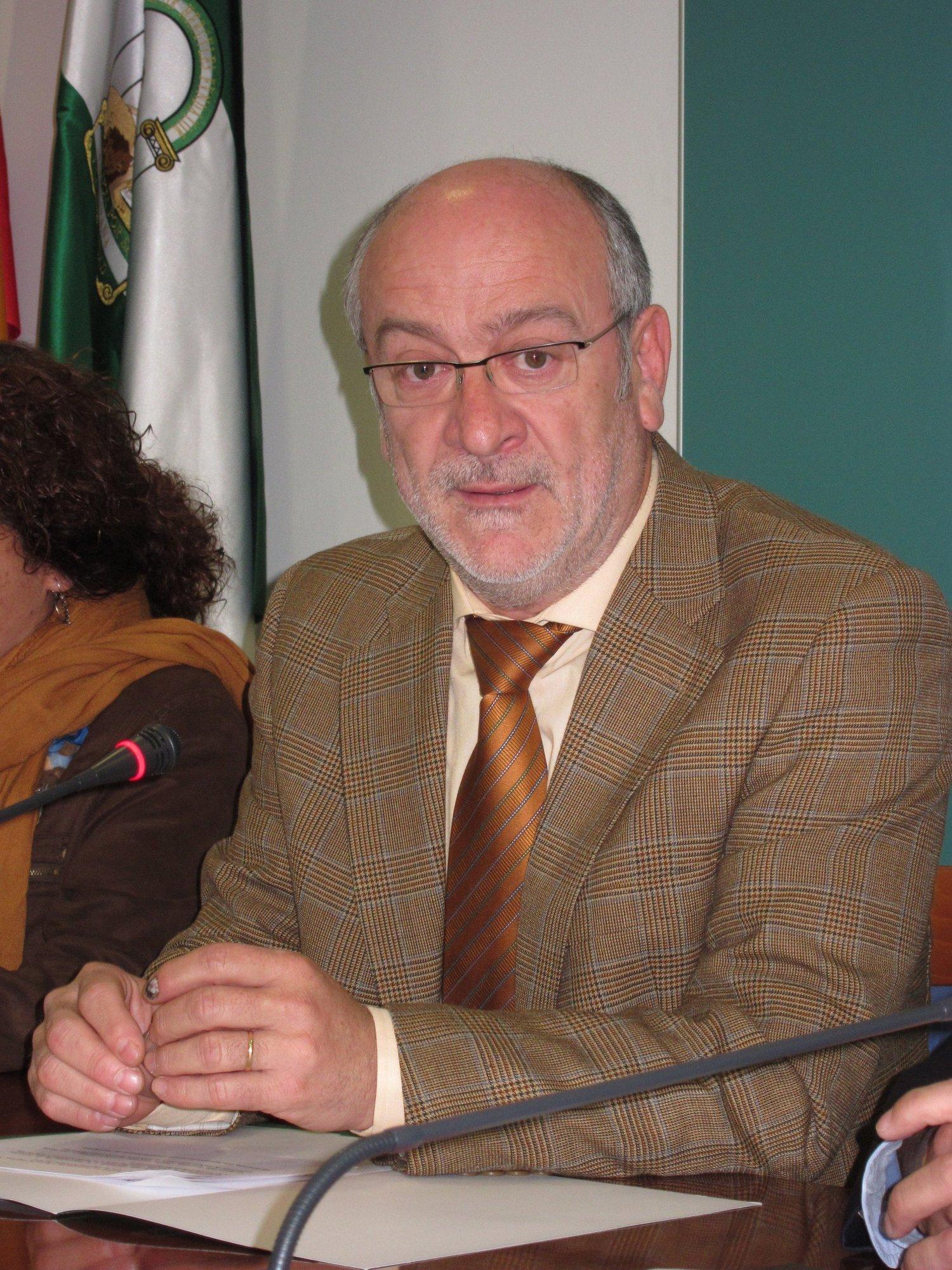 Junta ve «injusto» que quieran «extender sobre el conjunto del sector fresero» supuestas irregularidades