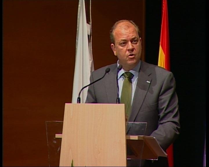 Monago pedirá una reunión urgente con Soria para abordar la suspensión de primas a renovables