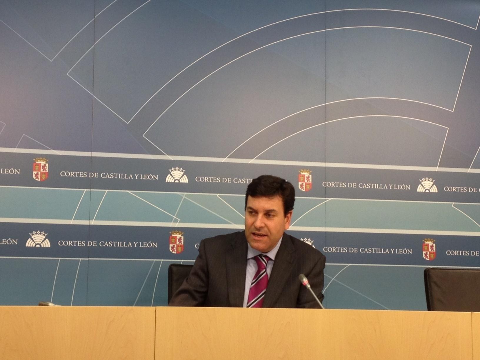 PP defiende 51 enmiendas para favorecer nuevos negocios y reducir el »céntimo sanitario»