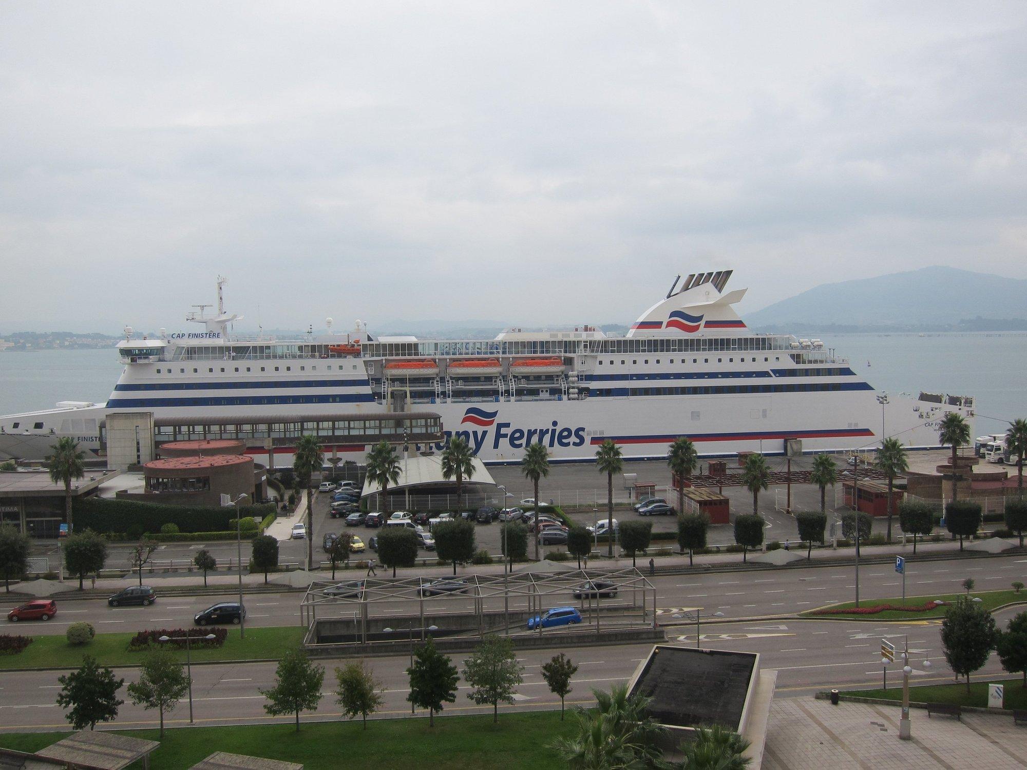 El Puerto reabrirá los sábados el parking del ferry para dinamizar el comercio