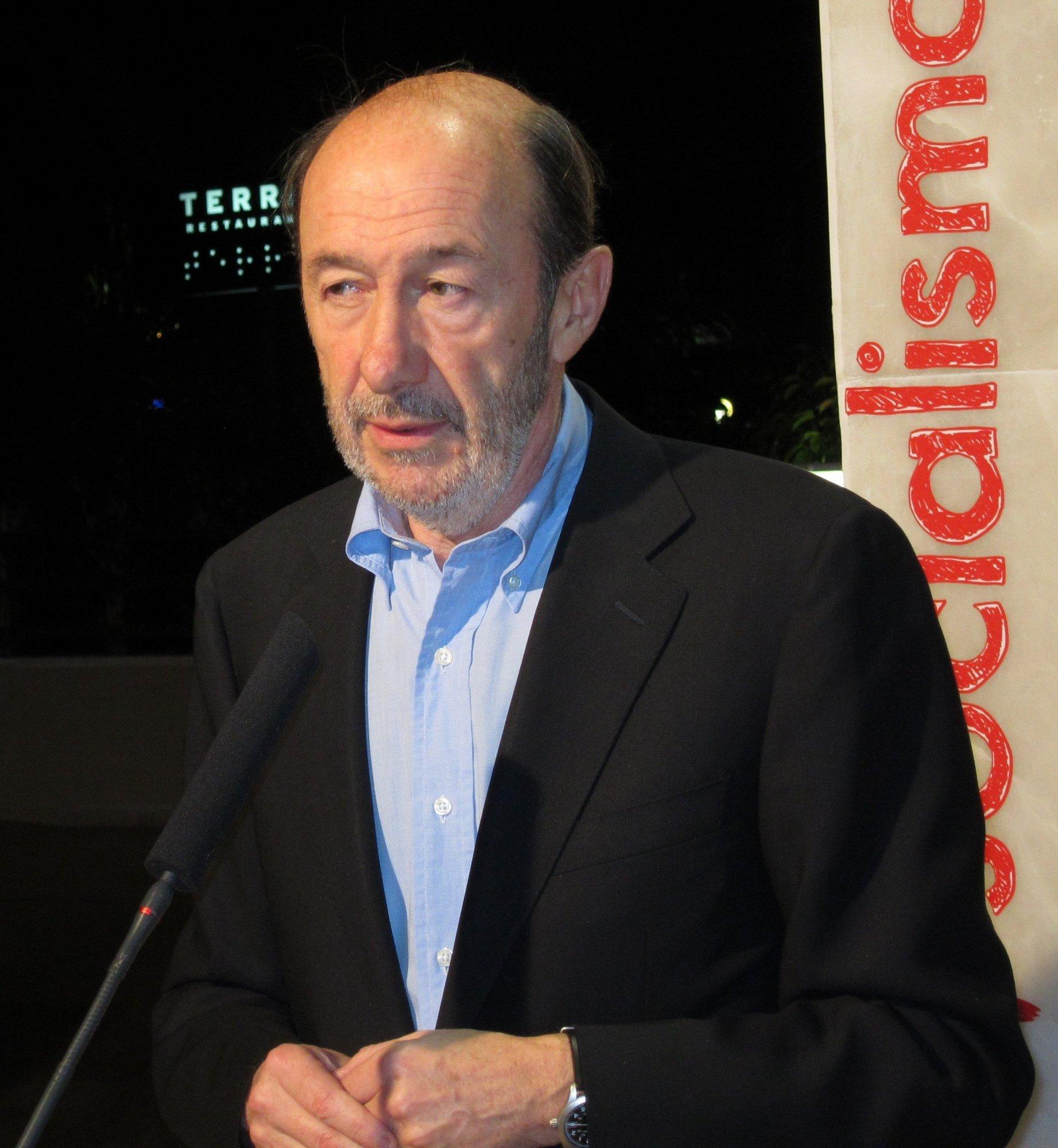 Rubalcaba se muestra «satisfecho» con la elección de delegados de la provincia de Alicante
