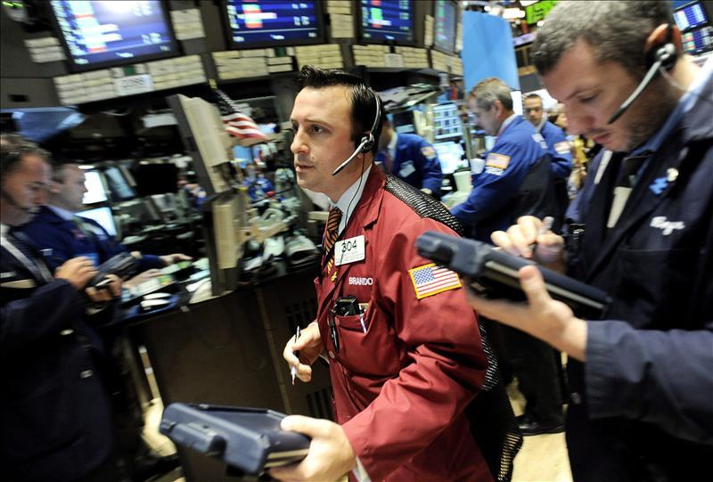 Wall Street abre con un descenso del 0,37 por ciento tras datos del PIB estadounidense