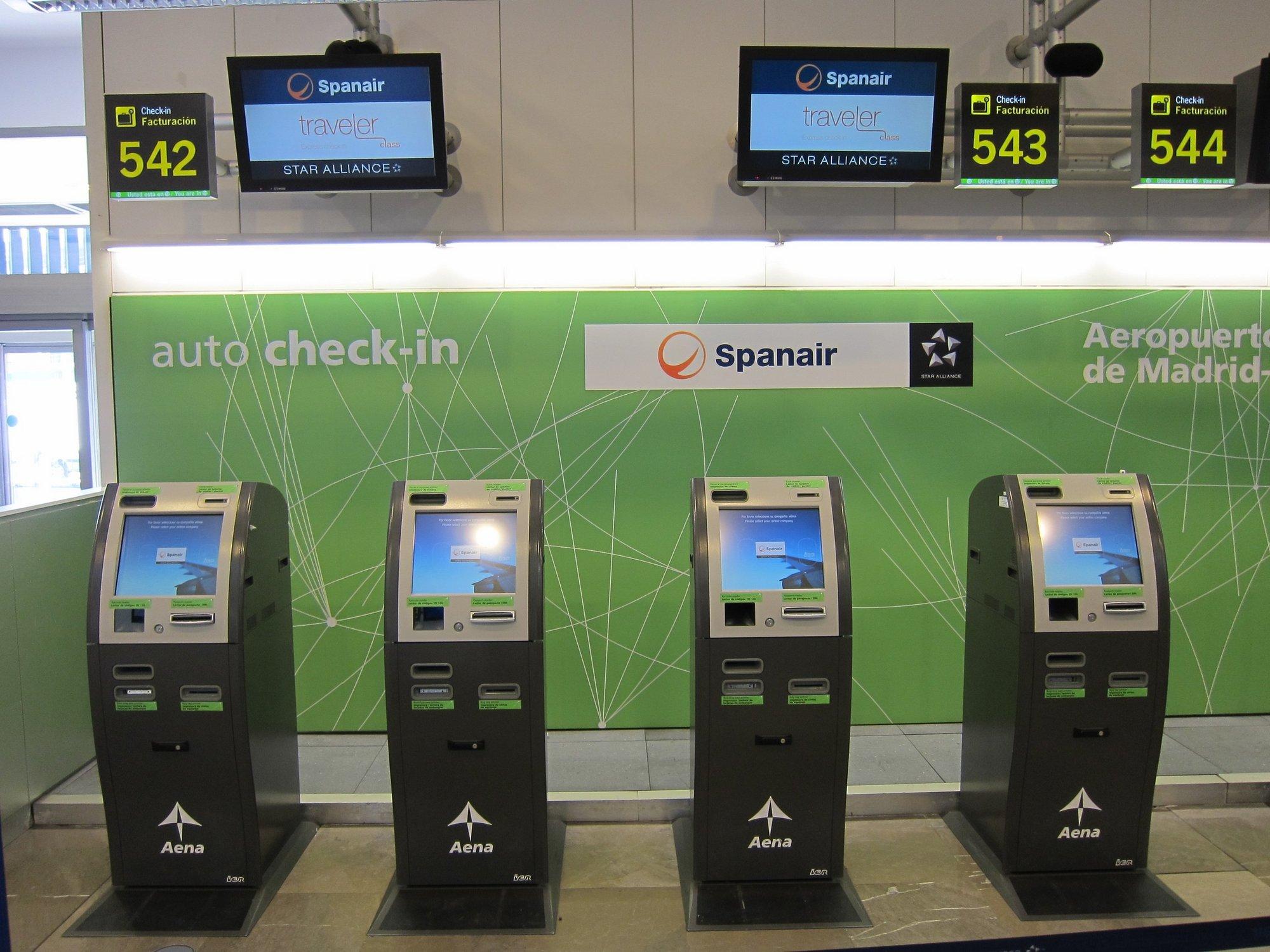 Air Nostrum añade la ruta Madrid-Menorca a su oferta para cubrir el cese de Spanair