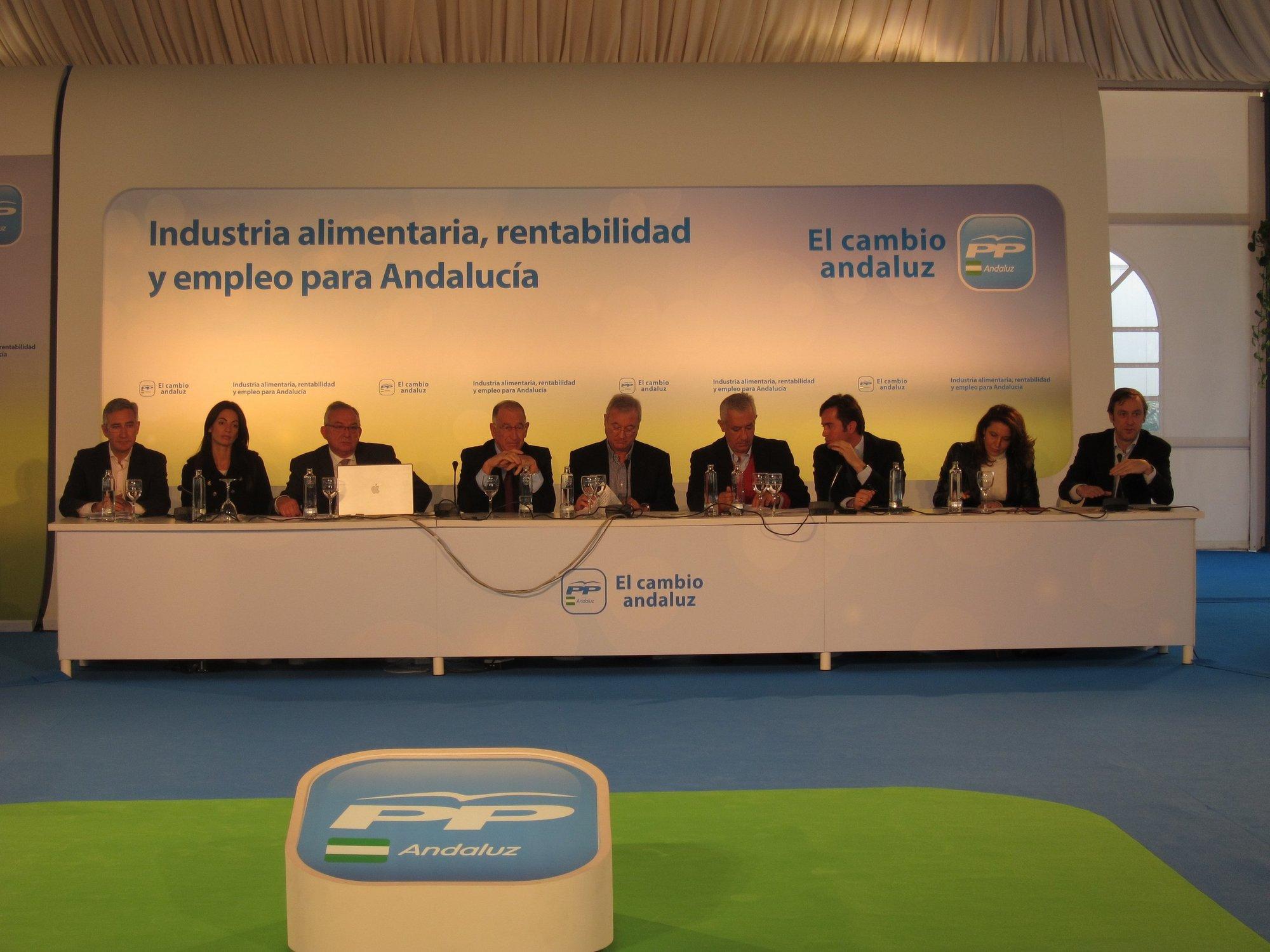 Arenas llama a defender «con uñas y dientes» la agricultura, que es «nuestra mejor economía sostenible»