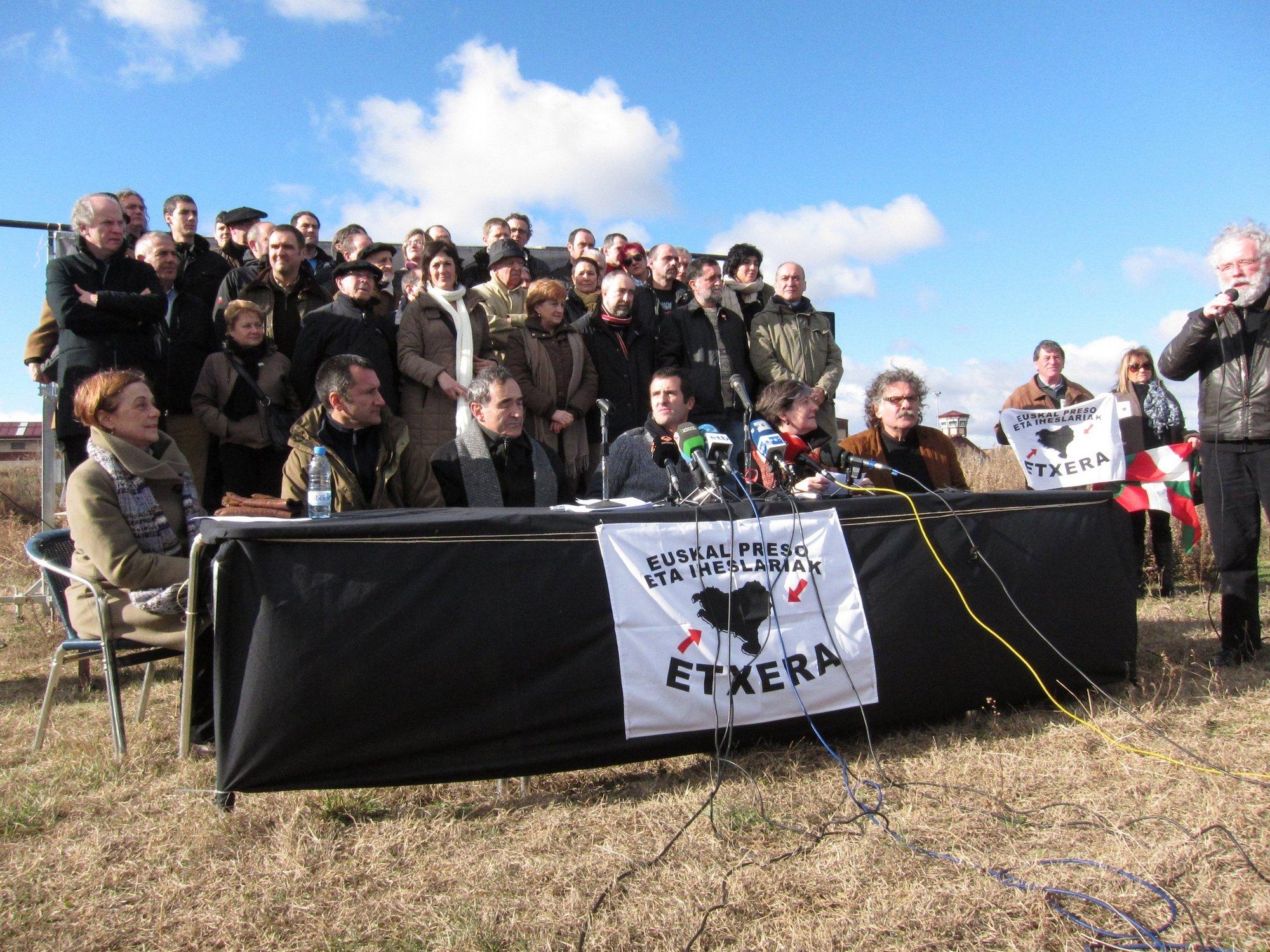 Cerca de 150 personas piden «la inmediata puesta en libertad de Arnaldo Otegi» en la cárcel de Logroño