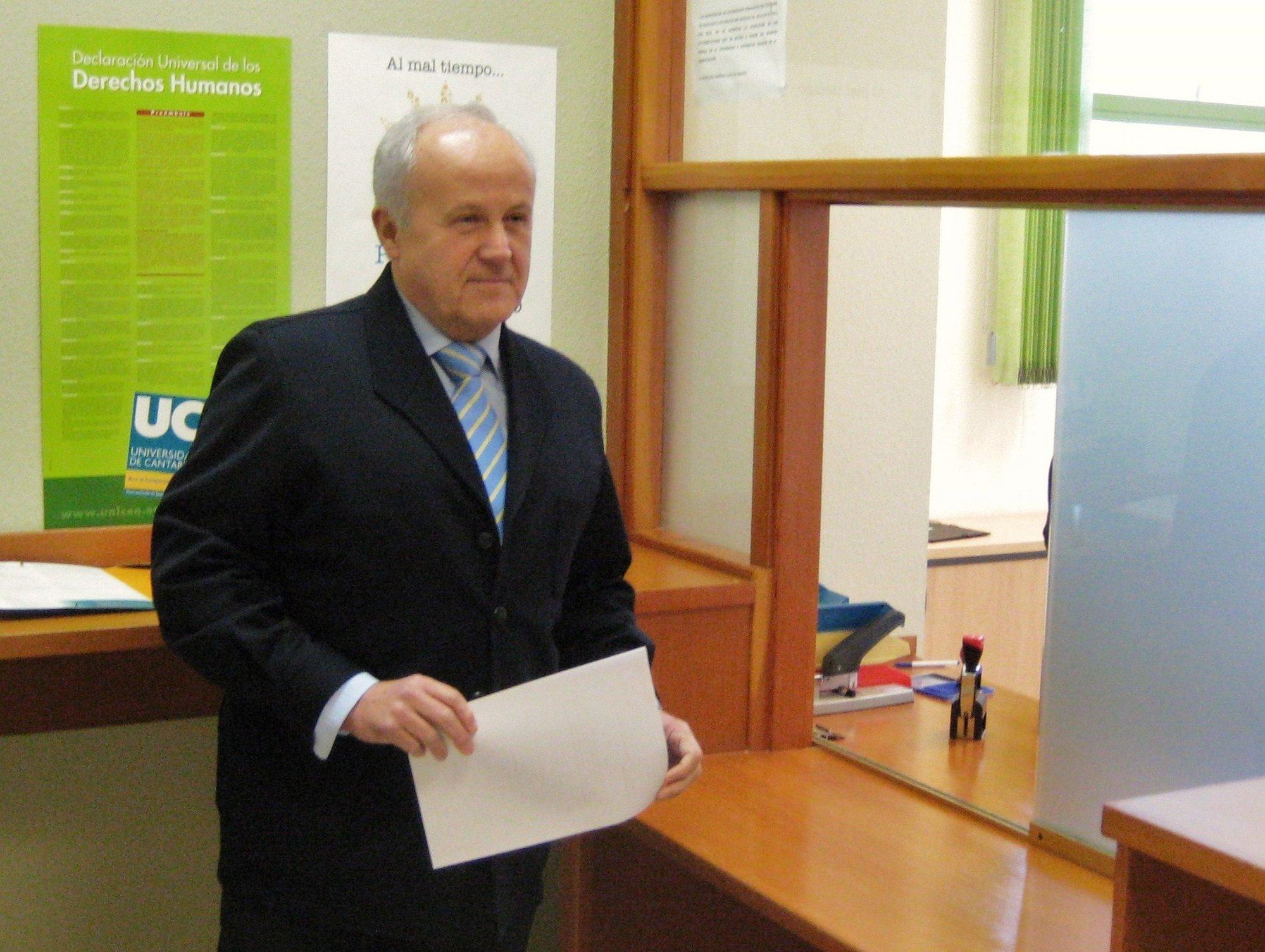 Eduardo Mora reivindica que el «principal patrimonio» de la Universidad son las personas