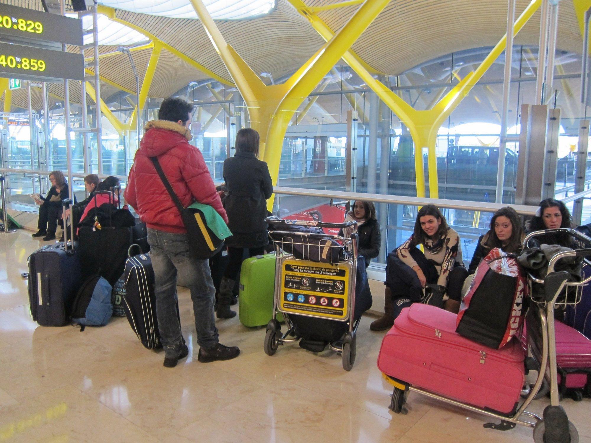 Iberia trasladará escalonadamente a 347 pasajeros de Spanair entre Barcelona y Tel Aviv