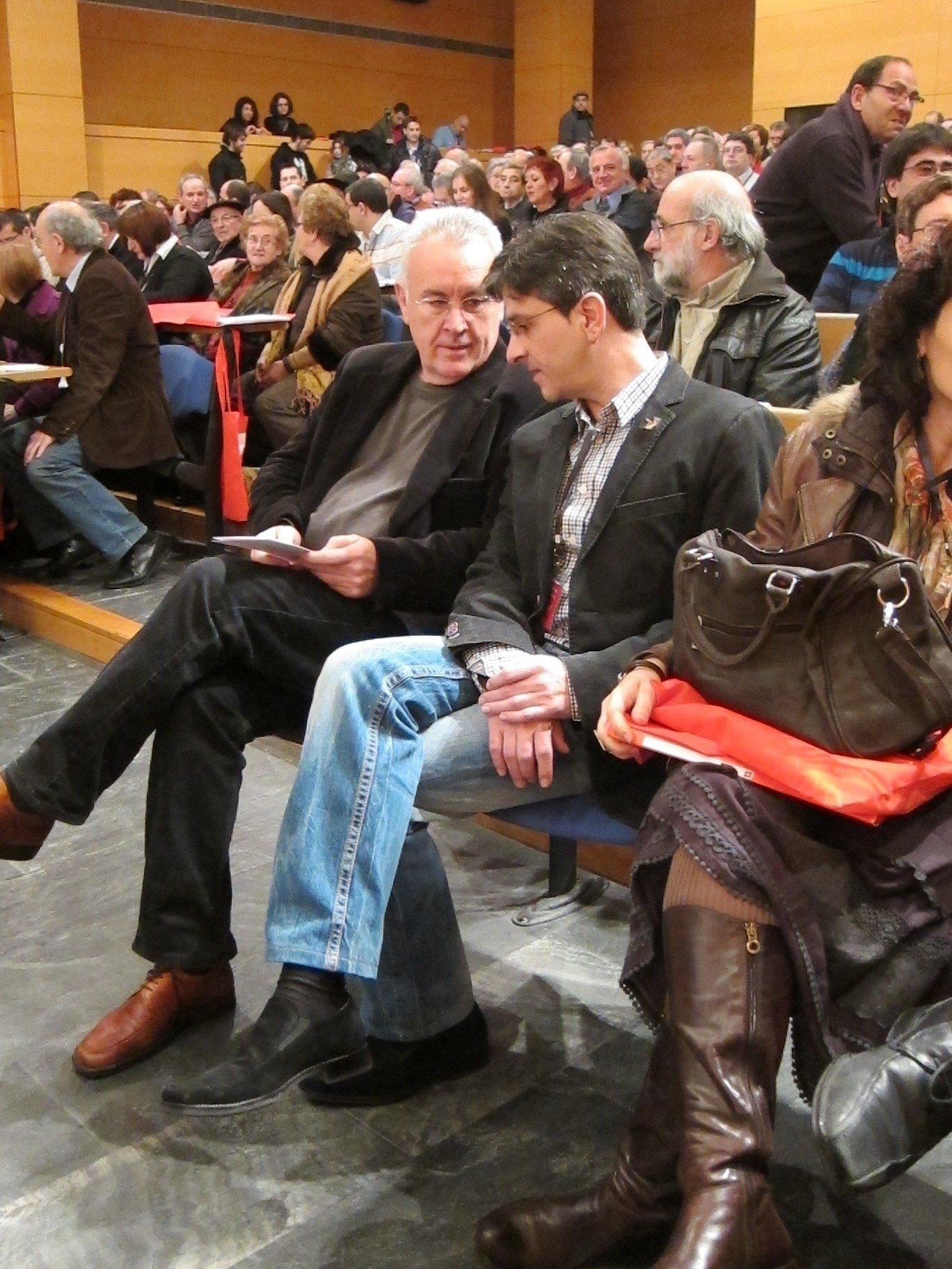 Lara (IU) pide a ETA su disolución y califica el acercamiento de presos a cárceles vascas de «gesto de humanidad»