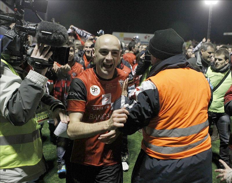 El Mirandés ampliará el aforo de Anduva con una grada supletoria para ver al Athletic