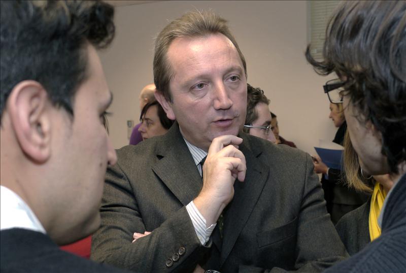 El consejero de Empleo andaluz rechaza la imputación de su director en los ERE