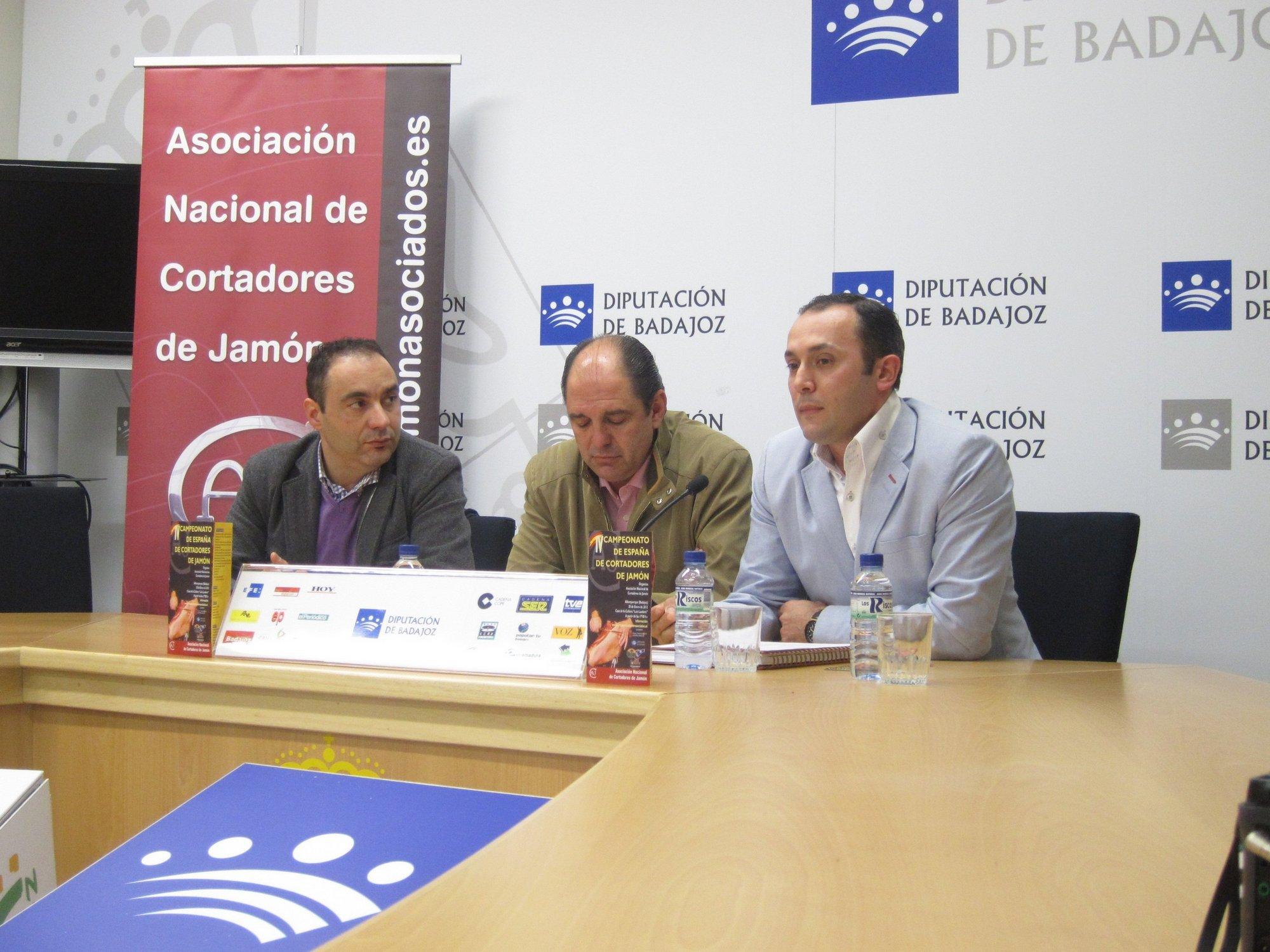 Siete cortadores de jamón disputan en Alburquerque el IV Campeonato de España de esta técnica