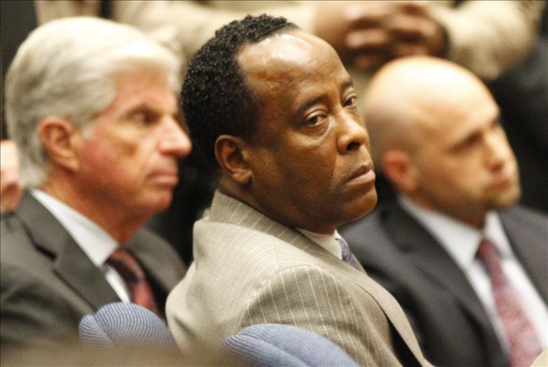 El médico condenado por matar a Michael Jackson pide salir de prisión