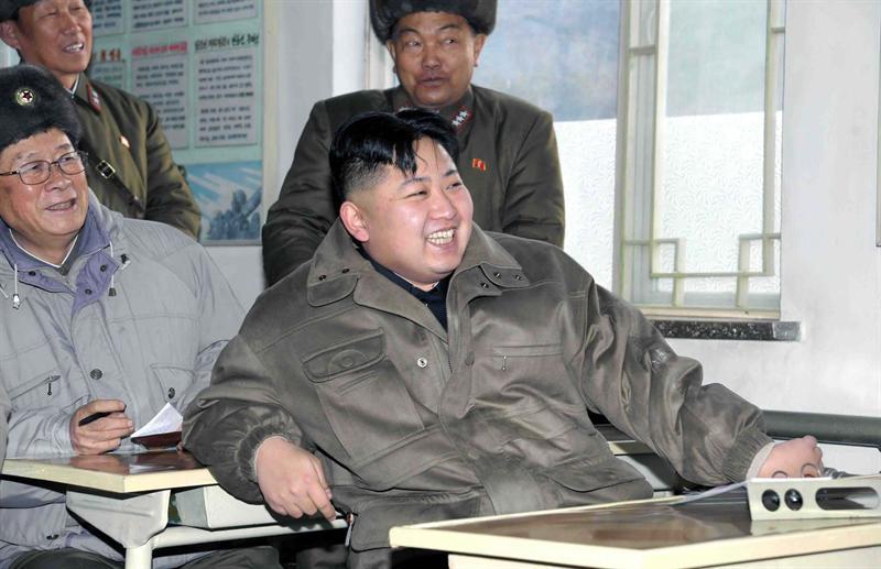 Corea del Norte prohíbe el uso de móviles durante los 100 días de luto por Kim Jon-il