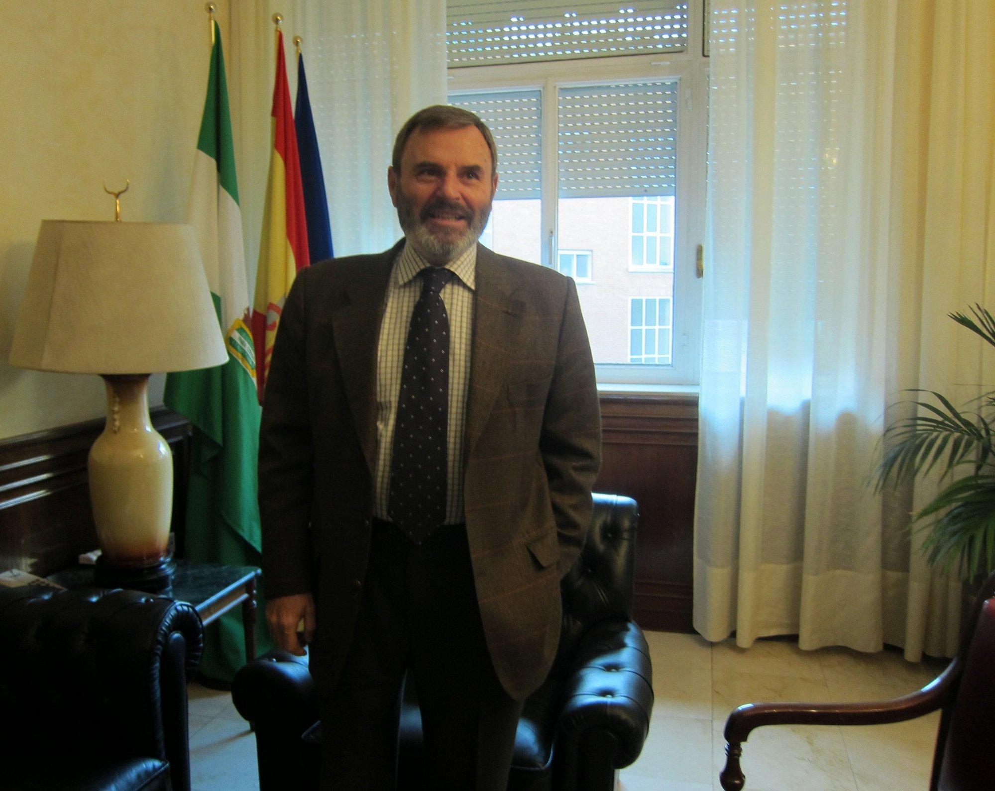 El subdelegado cree que el cambio de competencias del Guadalquivir ha hecho perder «un tiempo precioso»
