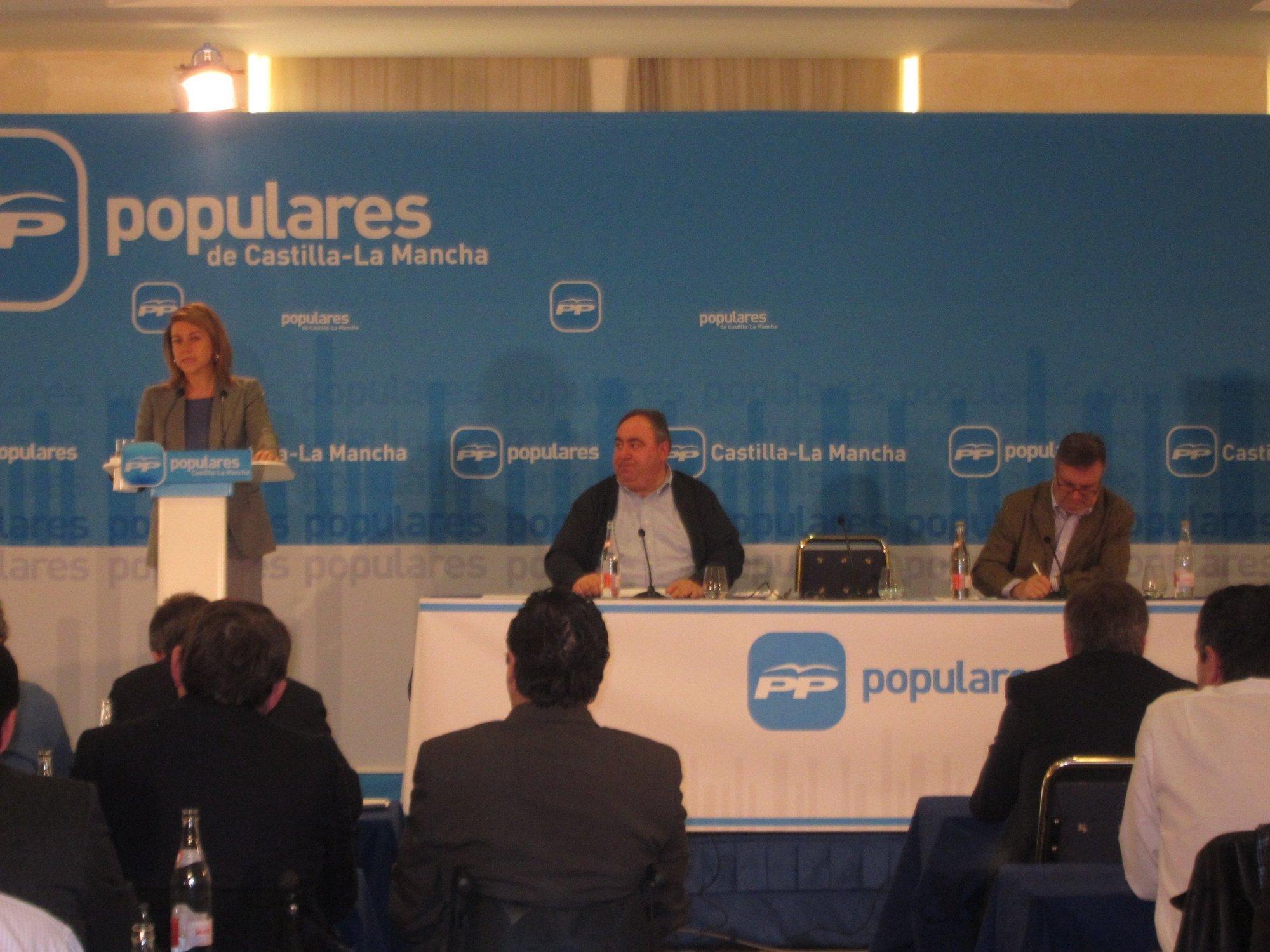 Cospedal ve «increíble» que Rubalcaba y Chacón «cifren su éxito en boicotear a Rajoy y no dar ninguna alternativa»
