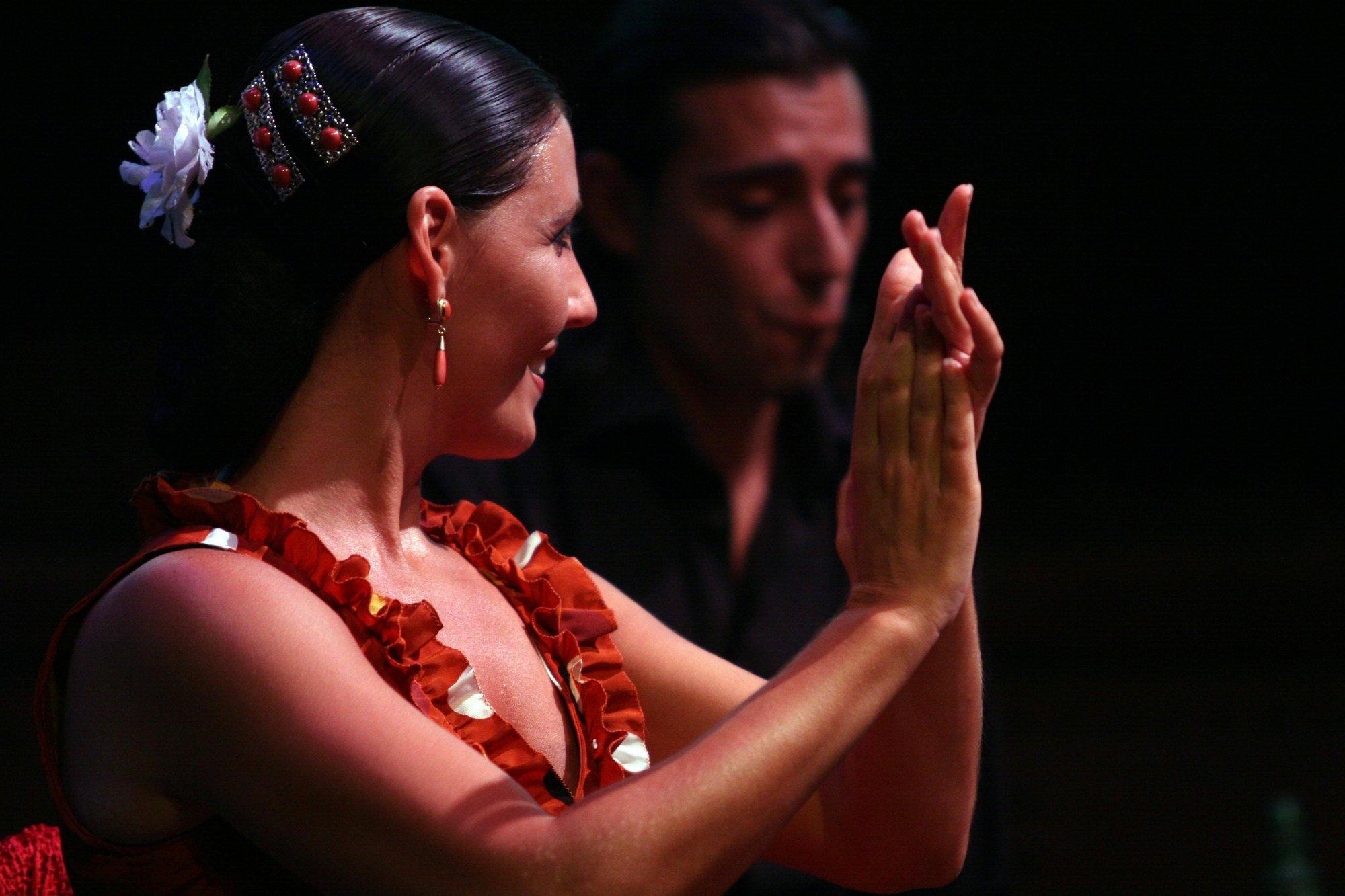 Espectáculos de tango, magia, clown, flamenco y poesía se dan cita este domingo en el Casco Histórico