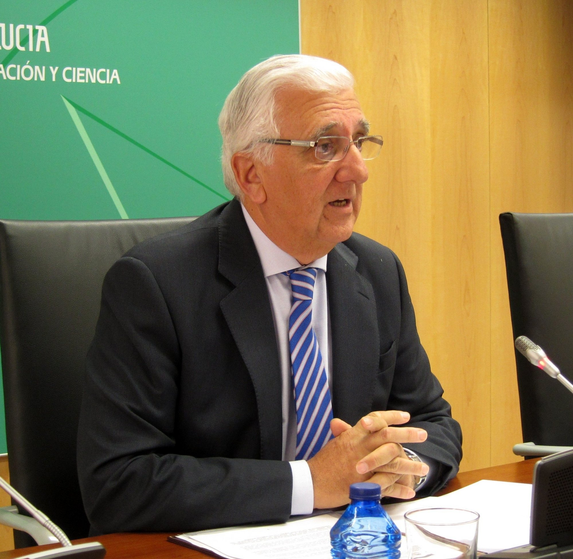 CEA rechaza la inseguridad jurídica creada en las renovables y sindicatos apuntan a 44.000 empleos afectados
