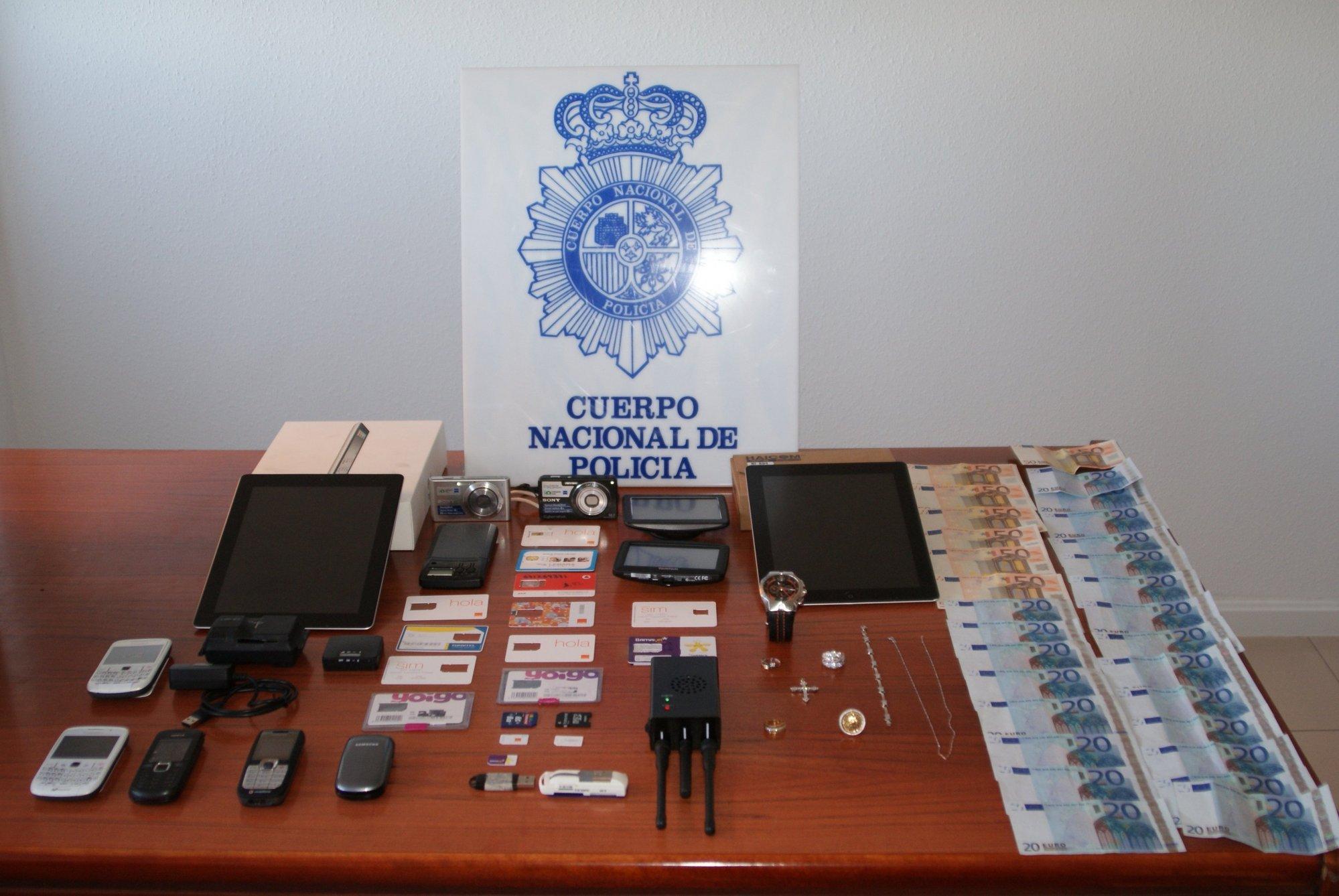 Detenidos tres miembros de una banda dedicada a cometer robos a representantes de joyería en Galicia