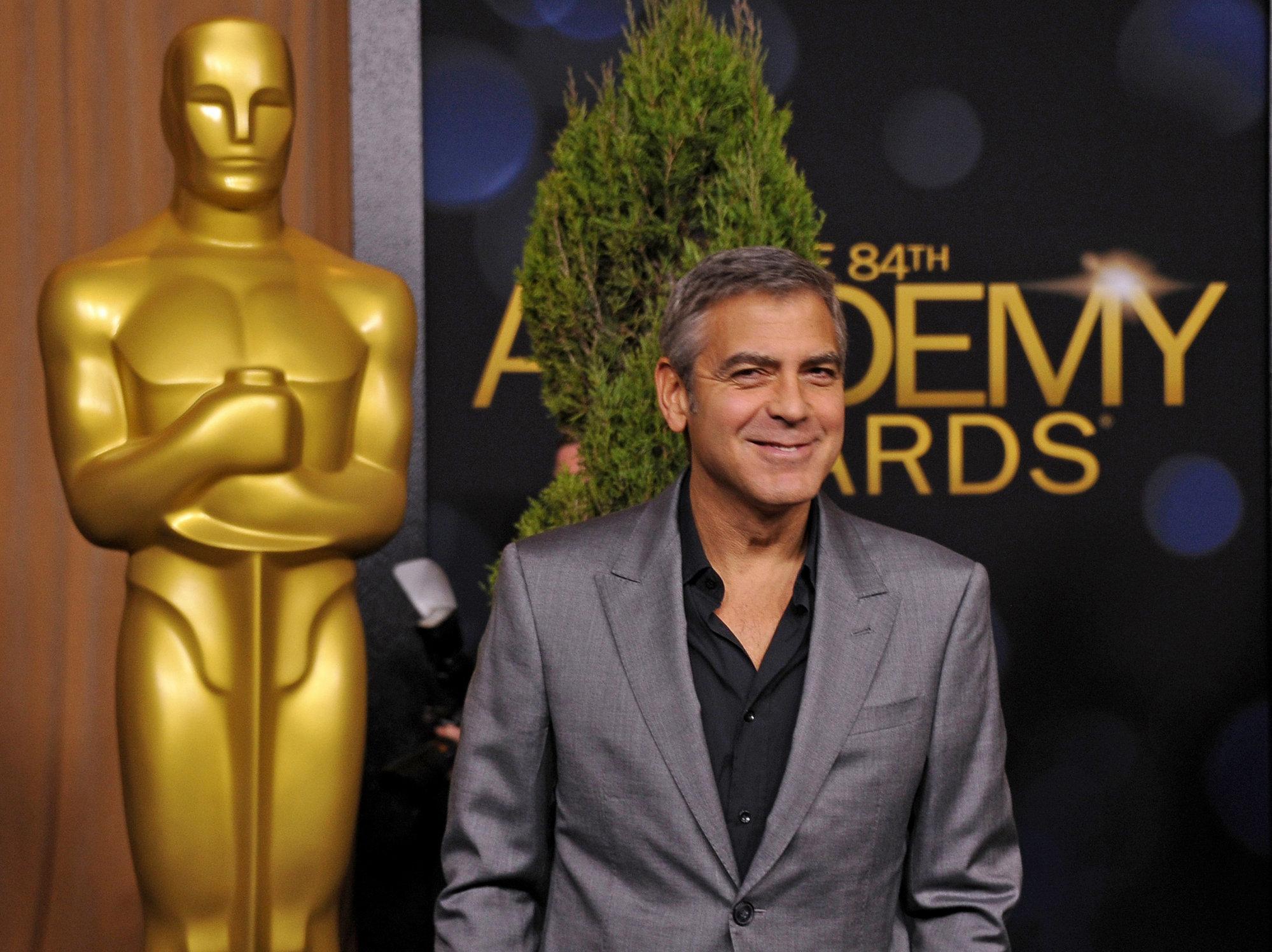 Al menos a George Clooney en el trabajo le va bien
