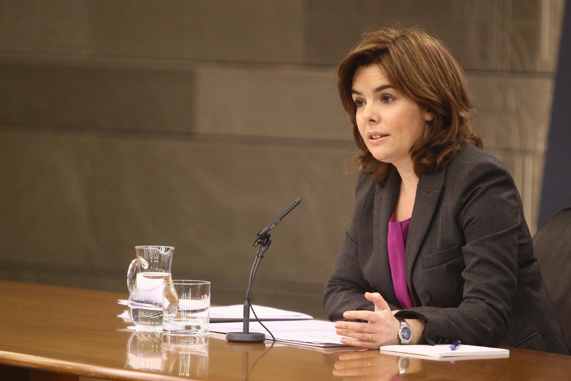 El Gobierno hablará con eléctricas y consumidores para resolver el déficit de tarifa