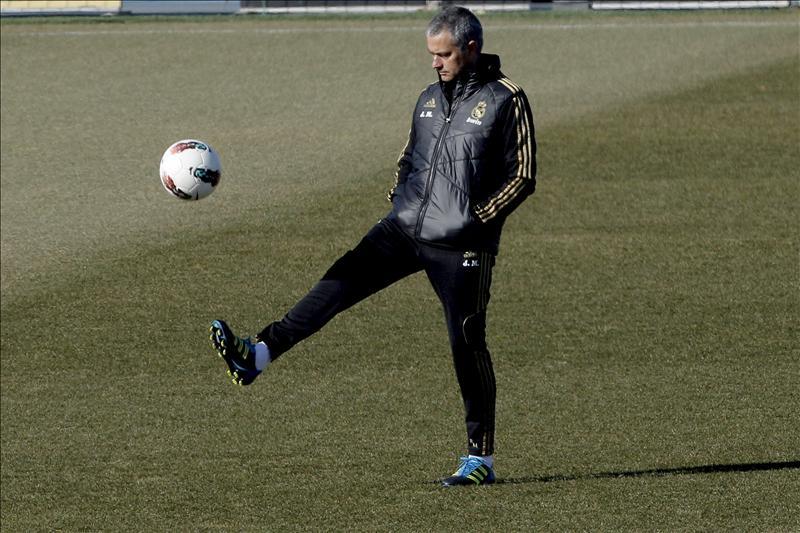 Mourinho asegura que el Real Madrid no busca «el alirón ni el pasillo en el Camp Nou»