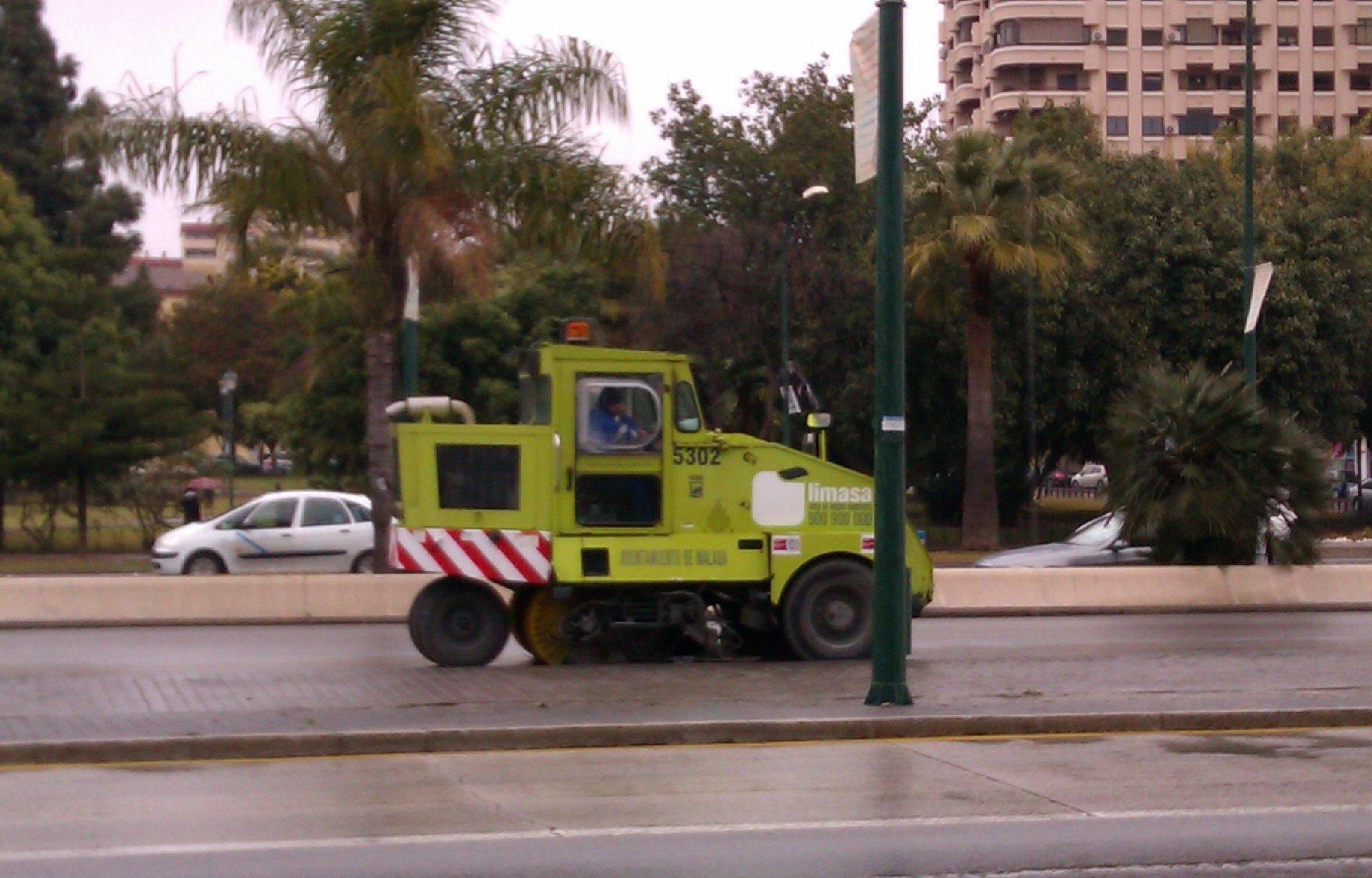 De la Torre advierte a los trabajadores de Limasa de que «la opción más sencilla» habría sido aplicar un ERE