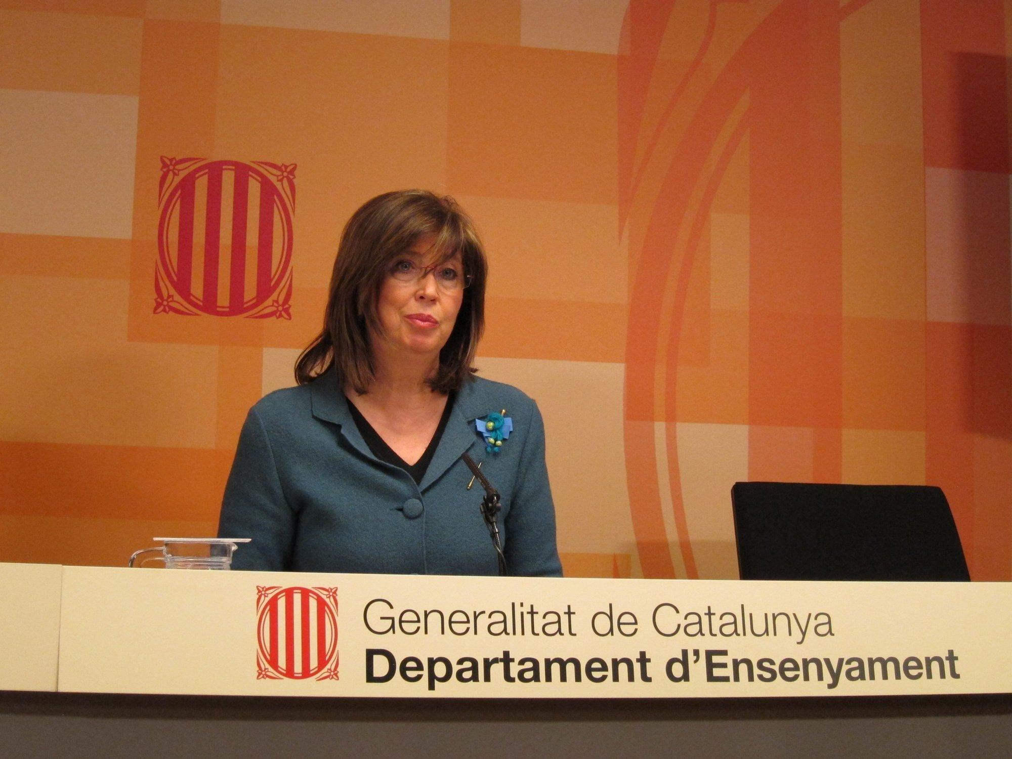 La consejera catalana de Enseñanza pide un segundo «esfuerzo complementario» a los profesores para el próximo curso