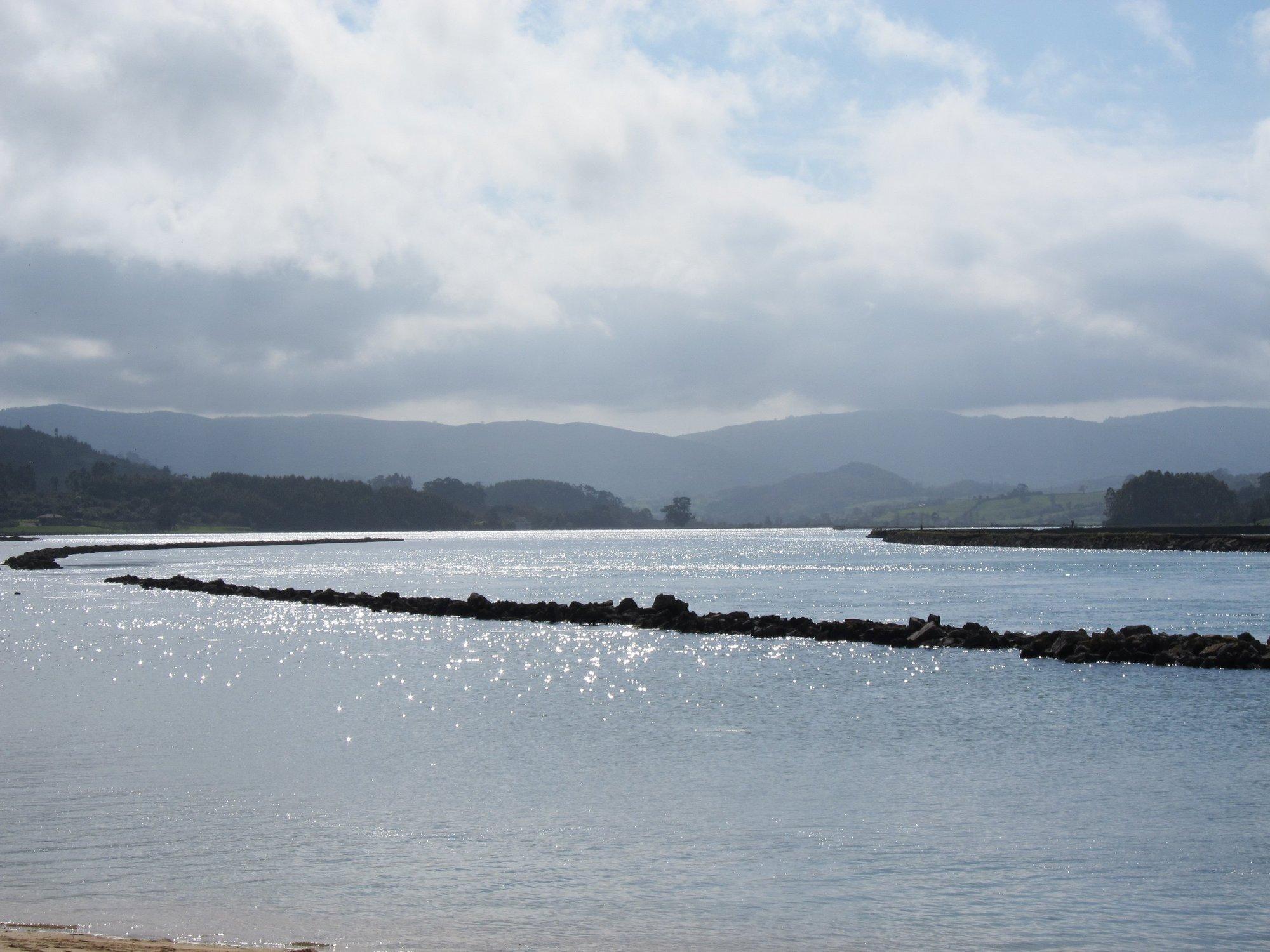 Los mariscadores de la Ría de Villaviciosa recibirán ayudas compensatorias por el cese temporal de la actividad