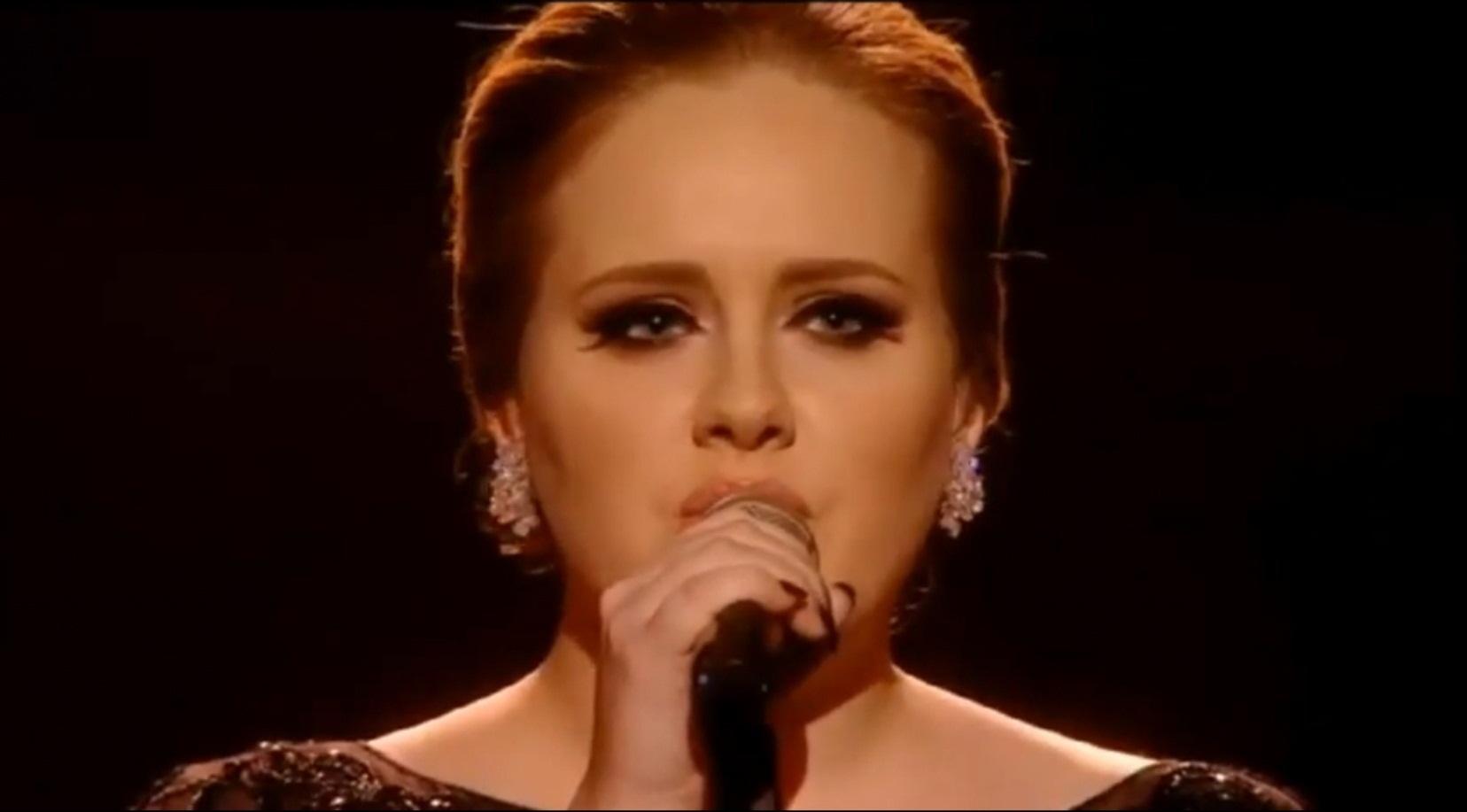 Adele, contra la publicación de supuestas fotografías suyas subidas de tono