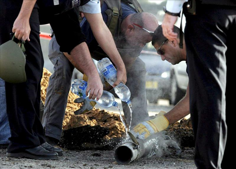 Milicianos palestinos disparan cohete contra la ciudad israelí de Beer Sheva