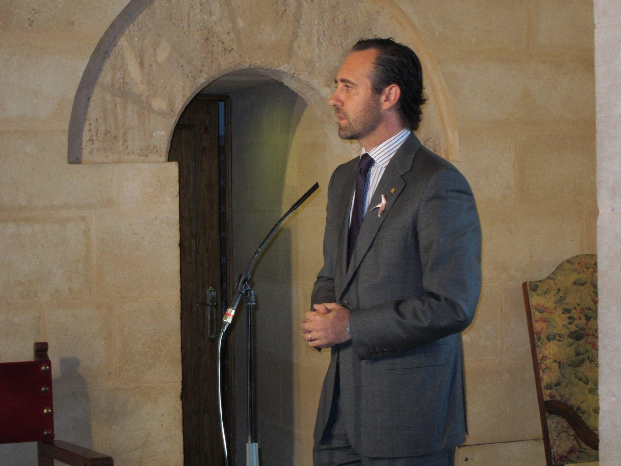 Bauzá participa este sábado en Sevilla en la exposición de la Ponencia Social, con Cervera y Feijóo