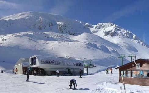 Valdezcaray prevé abrir este domingo veintidós pistas de esquí con calidad de nieve polvo