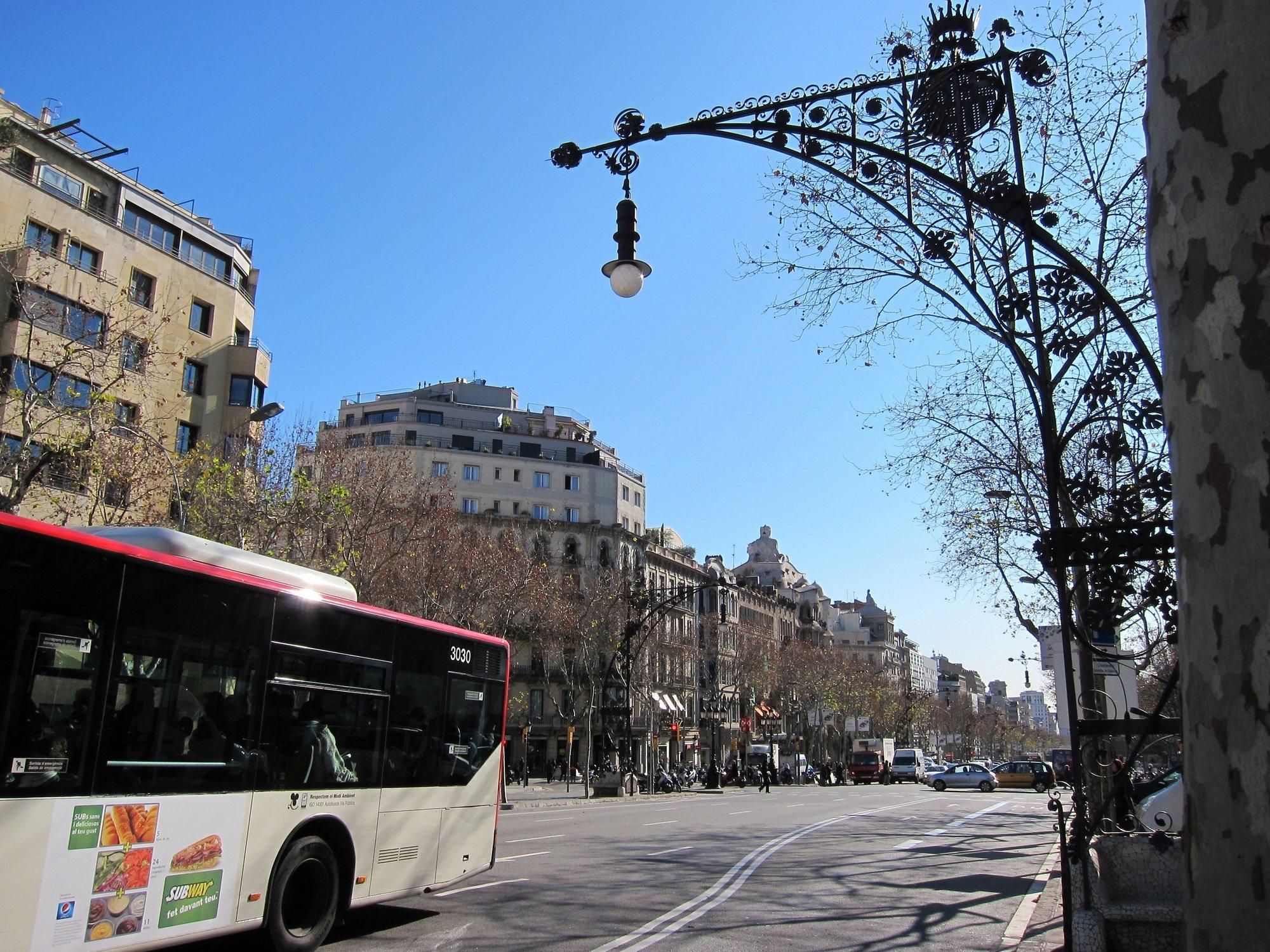 Adif inicia la inspección de los edificios cercanos a la estación de Passeig de Gràcia