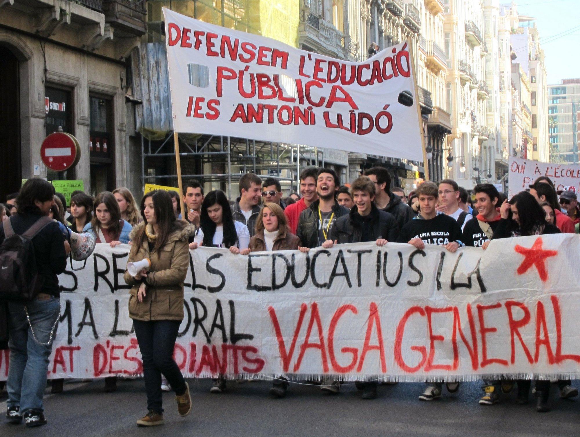 EUPV denuncia ante el Fiscal de Menores la actuación policial en las manifestaciones estudiantiles de Valencia