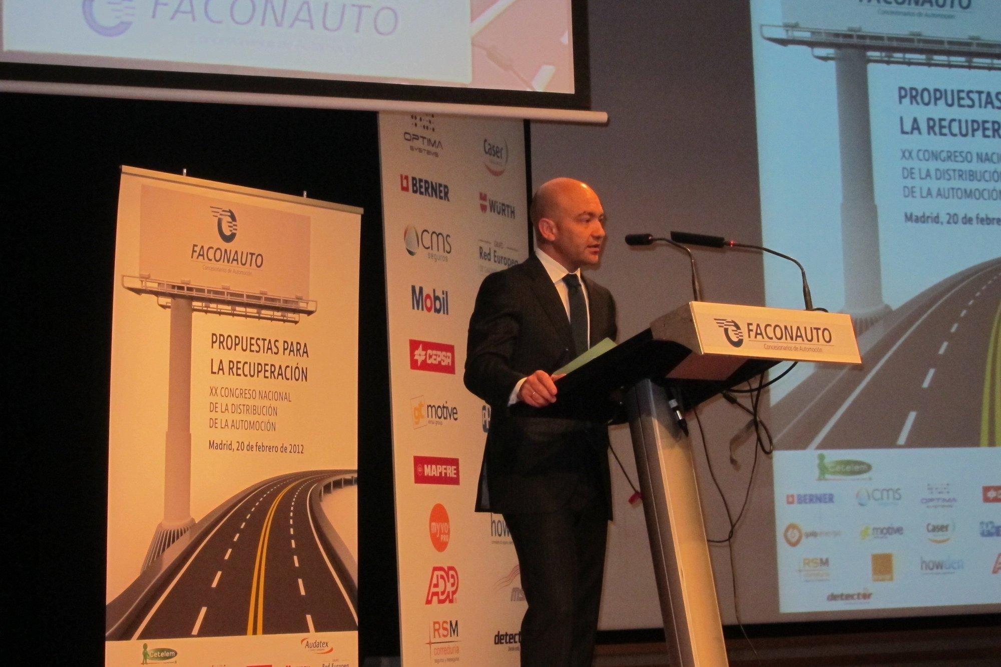 El Gobierno admite que el sector del automóvil necesita reformas «de calado» para reactivar el mercado