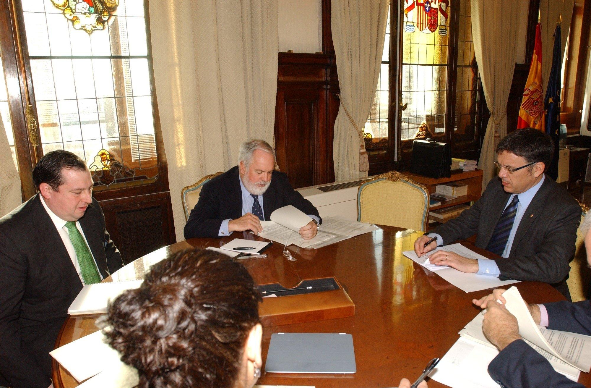 El Gobierno se compromete con la Generalitat a que el nuevo PHN no sea como el del «pasado»