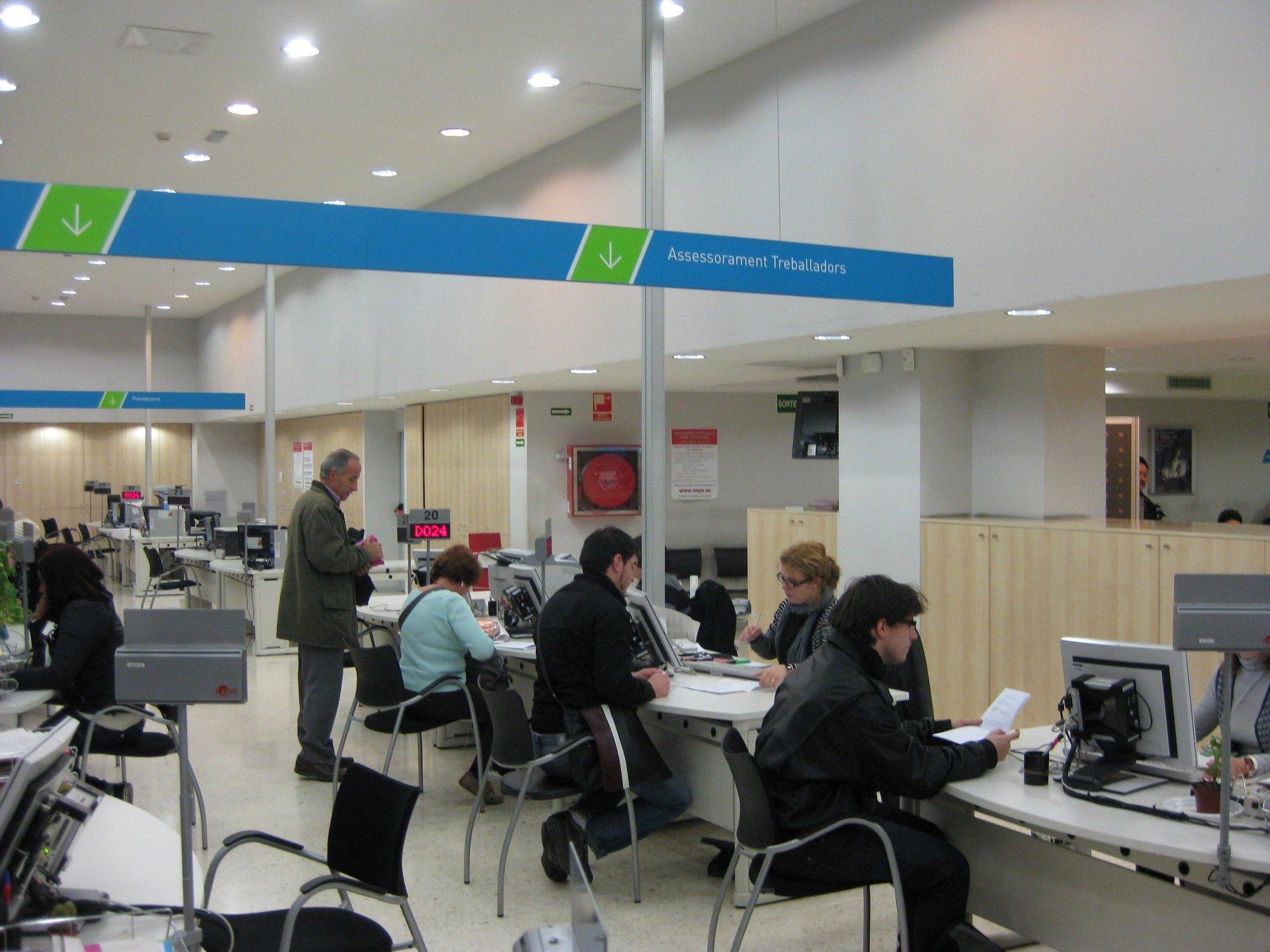 El Govern subvencionó con 108,3 millones a ayuntamientos y entidades para formación y planes de empleo en 2011