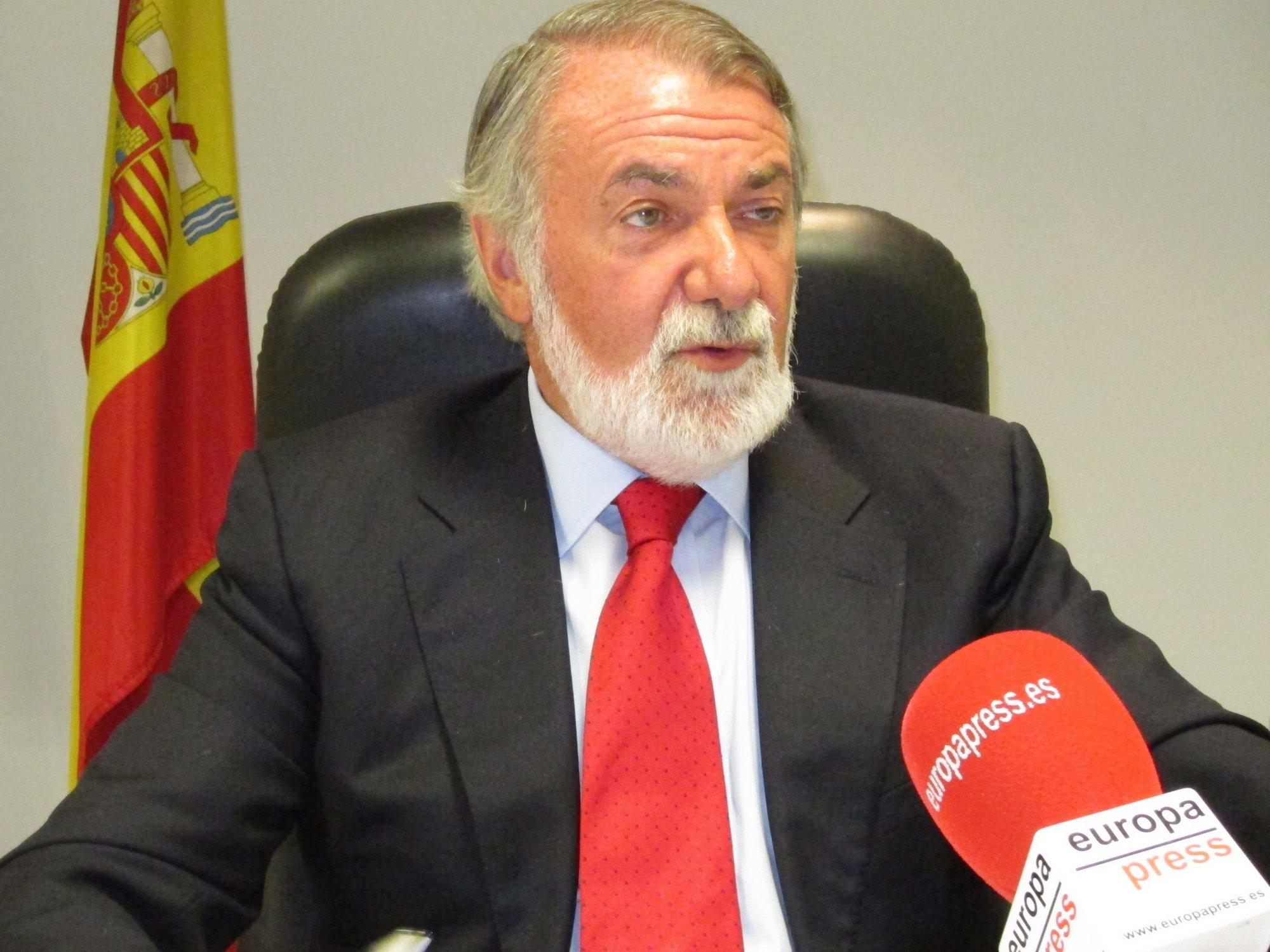 Mayor Oreja ve una política de «gestos» entre PSOE y ETA detrás de las ayudas a etarras víctimas de abusos policiales