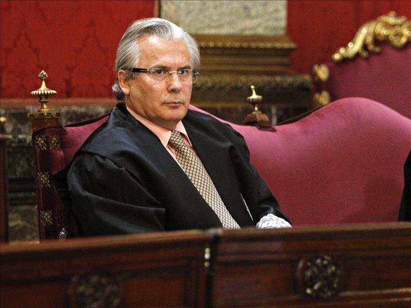 Más de 80 ONG denuncian la «criminalización» del trabajo del juez Garzón