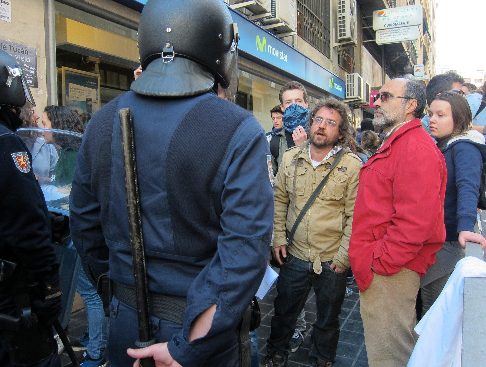 La Policía detiene a 10 personas, entre ellas tres menores, durante la última protesta estudiantil en Valencia