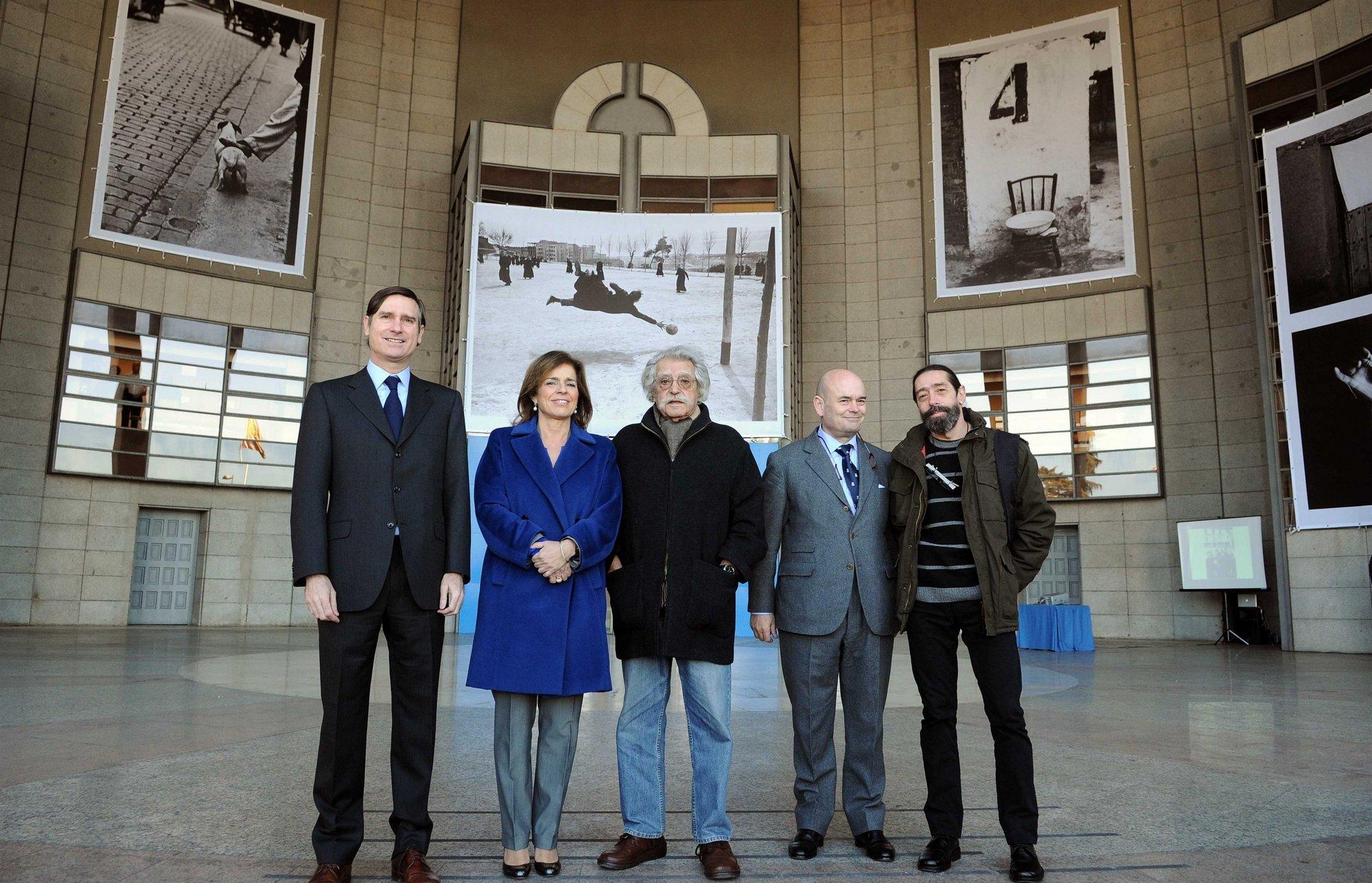 Ramón visita la exposición fotográfica de Ramón Masats